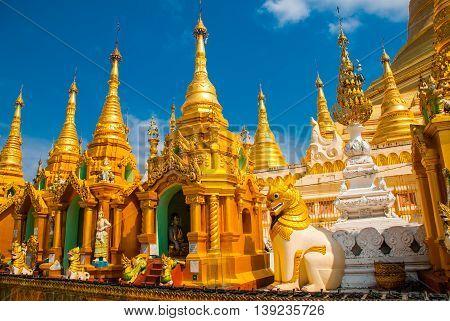 Golden Stupa. Shwedagon Paya Pagoda. Yangon, Myanmar