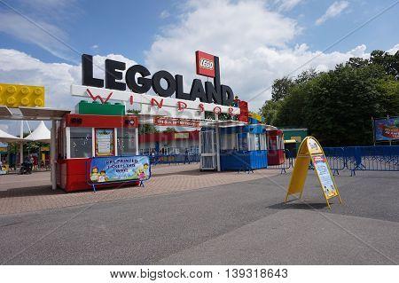 Legoland, Windsor, Uk - April 30, 2016: Early Morning Before The Crowds Arrive At The Legoland Entra