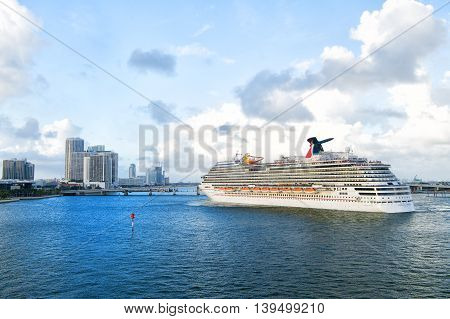 Cruise Ship Carnival Breeze
