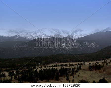 Snow capped landscape of Rocky Mountain State Park