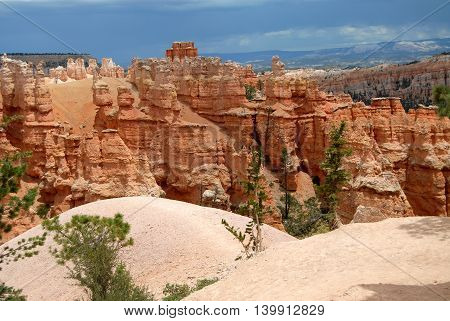 hoodoos on Navajo trail, Bryce Canyon National Park