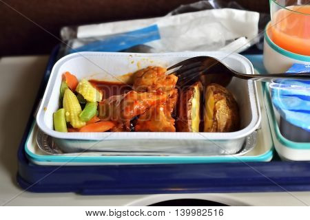 lunch on airplanes, distinctive and delicious sensation
