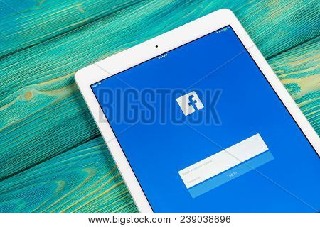 Sankt-petersburg, Russia, April 1, 2018: Facebook Application Icon On Apple Ipad Smartphone Screen C