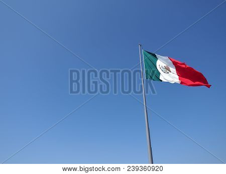 National Mexican Flag On Mast On Clear Blue Sky On Beach At Acapulco City In Mexico In 2018 Warm Sun