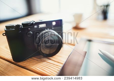 Digital Compact Viewfinder Camera With Digital Tablet And Stylus Pen