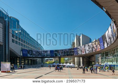 Brussels, Belgium - May 5, 2018 : People In Front Of The Building Of The European Parliament In Brus