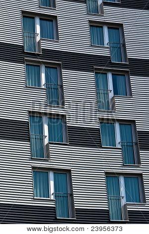 Structured Facade