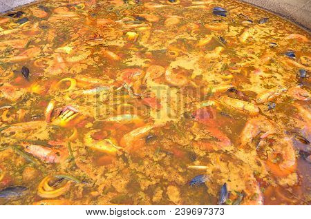 The Preparation Of A Gigantic Paella With Seafood - Iseo - Lombardy - Italy 064
