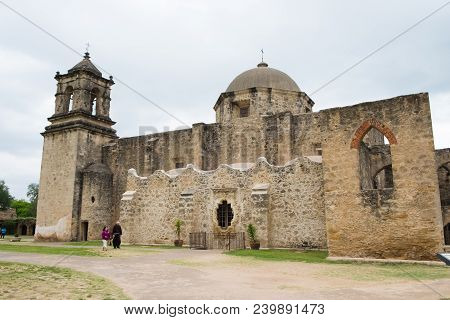 San Antonio, Texas - April 20, 2018: Tourists Explore He Park At Mission San Jose, A Historic Missio