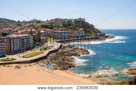 Baiona, Espanha - May 03, 2018 : From The Fortress We Have A Beautiful Panoramic View Of The Beach O