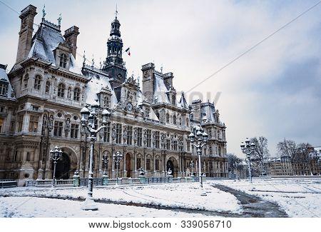 Hotel De Ville Townhall Under Snow In Paris