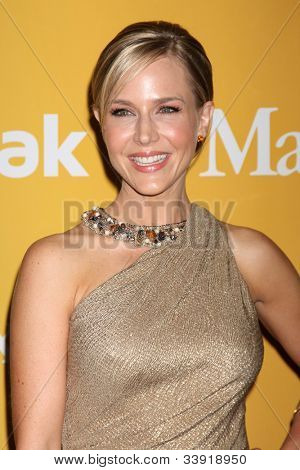 LOS ANGELES - JUN 12:  Julie Benz arrives at the City of Hope's Music And Entertainment Industry Group Honors Bob Pittman Event at Beverly Hilton Hotel on June 12, 2012 in Beverly Hills, CA