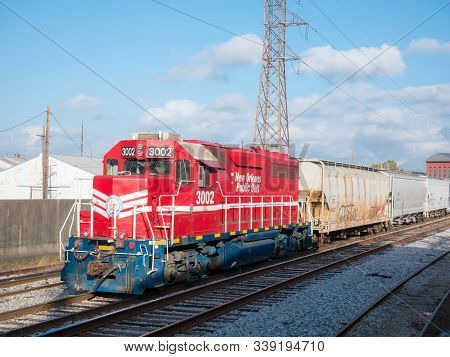 New Orleans, Louisiana, Usa. December 2019. A New Orleans Public Belt (nopb) Locomotive At The Frenc