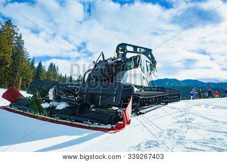Mountain Special Snowpacker