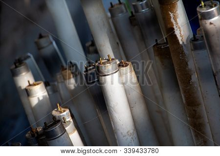 Straight Fluorescent Lamps Are Hazardous Waste But Can Be Used Recycle, Fluorescent Lamps Broken Wil