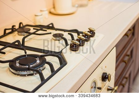 Creamy Gas Stove With Oven In Retro Style Kitchen. Provence Kitchen Retro Gas Stove Burner & Oven In