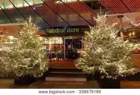 Paris, France-december 14, 2019 : The Famous Gastronomical Restaurant Publics Drugstore Located On C