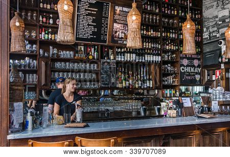 Melbourne, Australia - December 17, 2009: The Local Taphouse On Corner Of Carlisle And Chapel Street