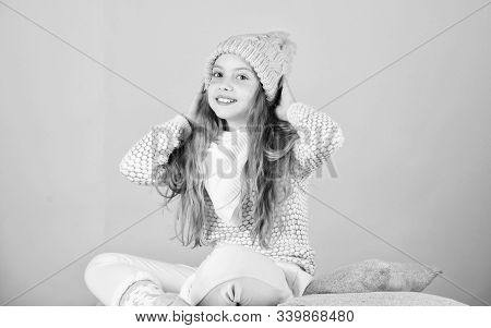 Keep Knitwear Soft After Washing. Soft Knitted Accessory. Tips For Caring For Knitted Garments. Chil