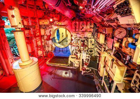 San Diego, Navy Pier, California, Usa - August 1, 2018: Hall Of The Engine Room Of Cccp Soviet Subma