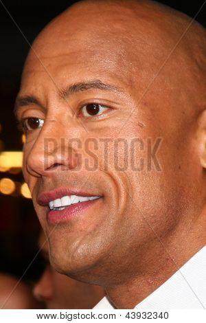 LOS ANGELES - MAR 28:  Dwayne Johnson arrives at the
