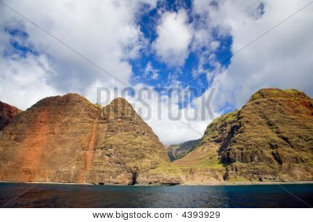 Dramatic Valley On Napali Coastline (kauai)