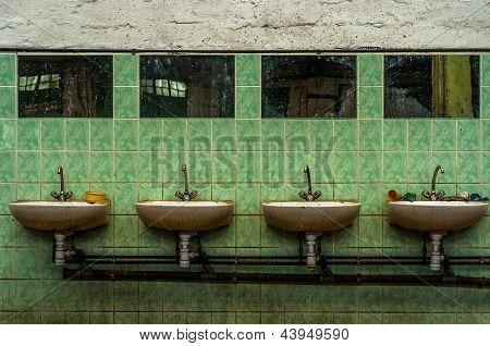 Industrial lavatory