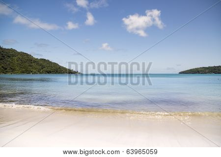 Sunny White Beach. Saychelles Islands.