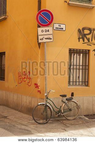 streets of Bologna Italy