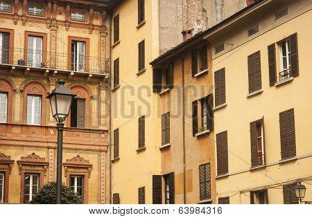 buildings reggio emilia italy