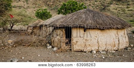 Traditional Maasai Hut Made Of Cow Excrement