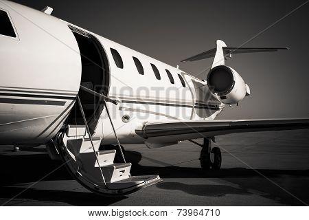 White Jet