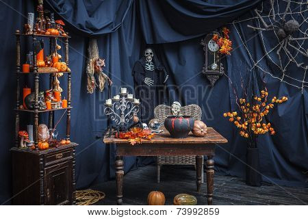 Room With Items To Celebrate A Halloveen