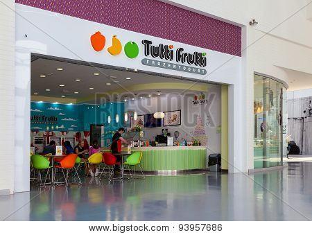 Tutti Frutti Frozen Yogurt Branch In A Shopping Center Ambar