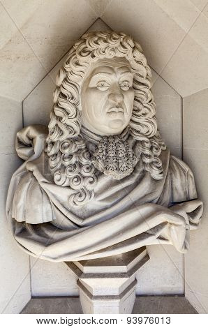 Samuel Pepys Sculpture In London