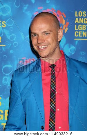 LOS ANGELES - SEP 24:  Peter Paige at the Los Angeles LGBT Center 47th Anniversary Gala Vanguard Awards at the Pacific Design Center on September 24, 2016 in West Hollywood, CA