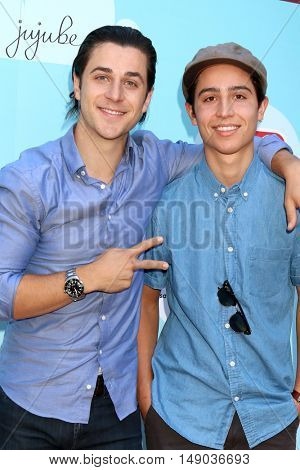 LOS ANGELES - SEP 24:  David Henrie, Lorenzo James Henrie at the 5th Annual Red Carpet Safety Awareness Event at the Sony Picture Studios on September 24, 2016 in Culver City, CA