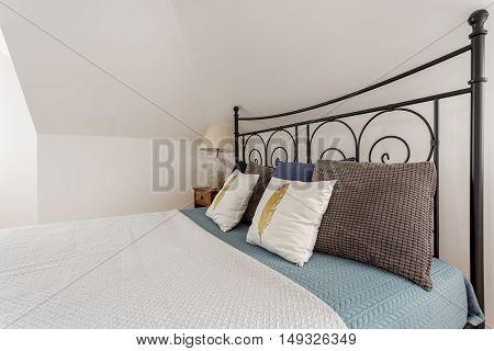 Decorative Metal Bed Frame Idea