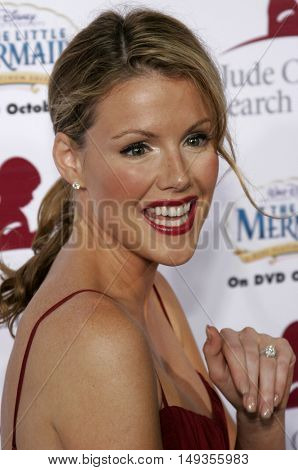 Kathleen Robertson at the 'Runway For Life' Benefiting St. Jude Children's Research Hospital held at the  Beverly Hilton in Beverly Hills, USA on September 15, 2006.