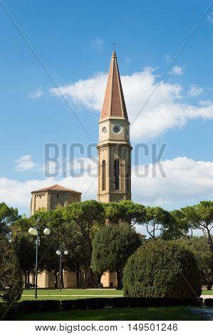 Cattedrale dei Santi Pietro e Donato in garden park Arezzo Italy