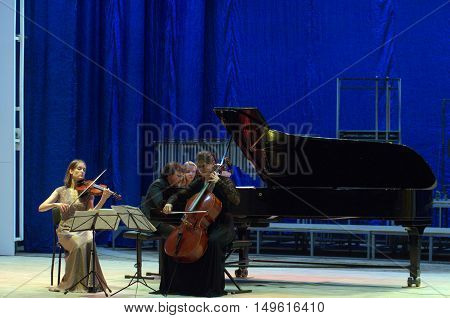 Oberon Trio
