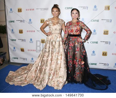 LOS ANGELES - SEP 29:  Jeannie Mai, Guest at the Autism Speaks' La Vie En BLUE Fashion Gala at the Warner Brothers Studio on September 29, 2016 in Burbank, CA