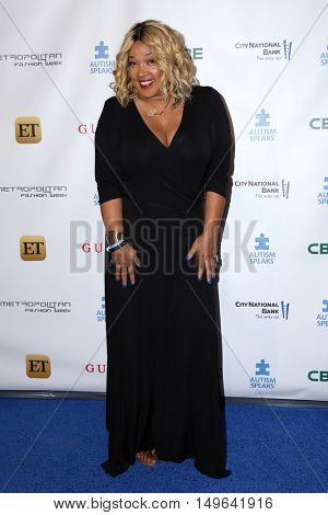 LOS ANGELES - SEP 29:  Kym Whitley at the Autism Speaks' La Vie En BLUE Fashion Gala at the Warner Brothers Studio on September 29, 2016 in Burbank, CA