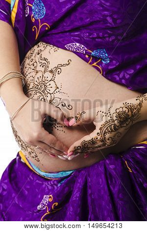 Henna Tatoo On Pregant Belly