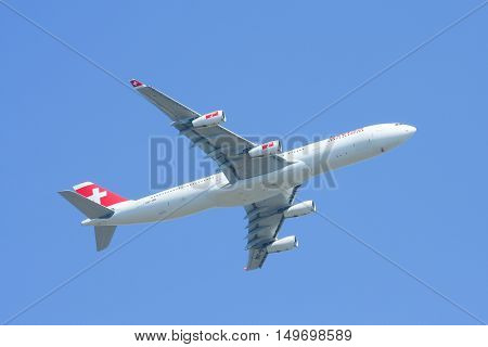 CHIANGMAI, THAILAND - DECEMBER 2 2008 :  HB-JMI Airbus A340-300 of Swissair, Takeoff from Chiangmai airport to Singapore.