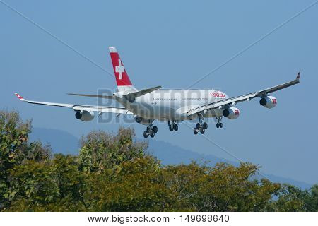 CHIANGMAI, THAILAND - DECEMBER 2 2008 :  HB-JMI Airbus A340-300 of Swissair, Landing to Chiangmai airport from Zurich.