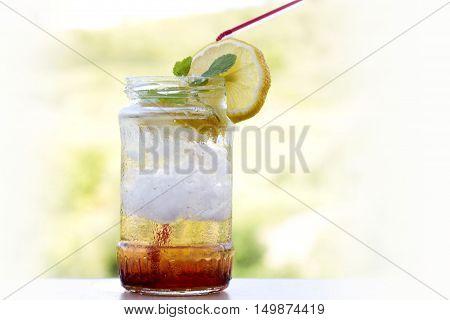 lemonade cocktail in a jar , summer detox diet drink
