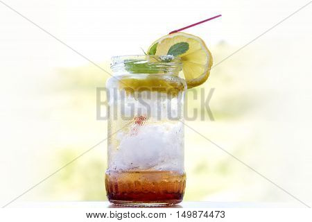 lemonade cocktail in a jar, summer detox diet drink