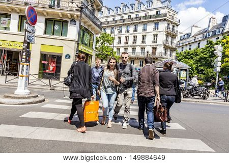 People At Rue De Rivoli