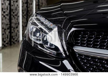 Car detailing series : Clean black car headlights